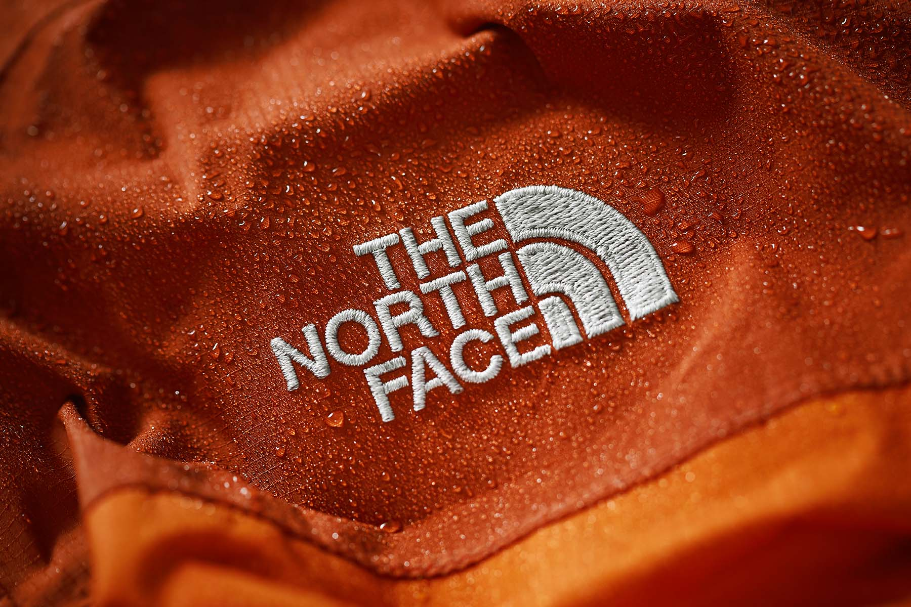 TheNorthFace-orange-jacket-wet-gabetoth